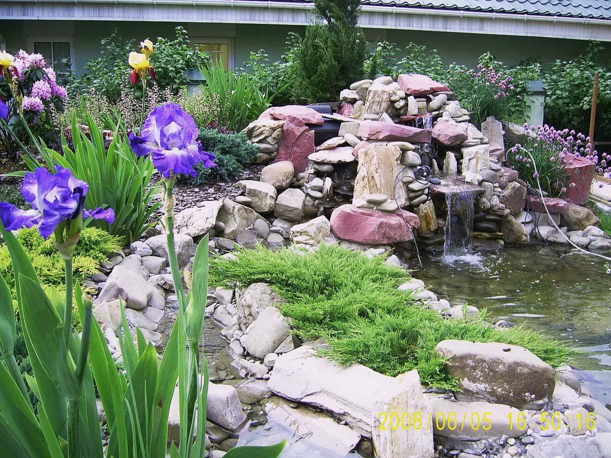 декоративный водоем, каскад камней