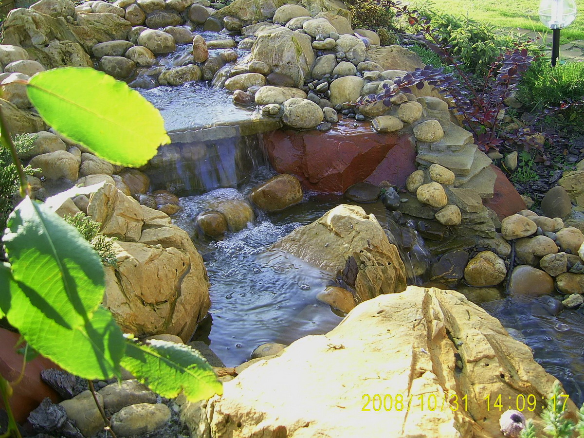 декоративный водопад на княжичях