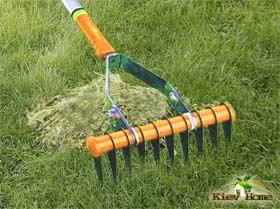 вычесывание газона граблями