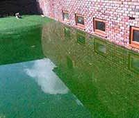 штучний газон затоплений