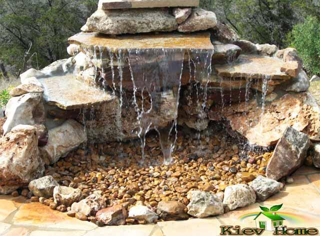 водопад из песчаника без пруда