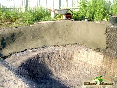 бетонирование основания пруда