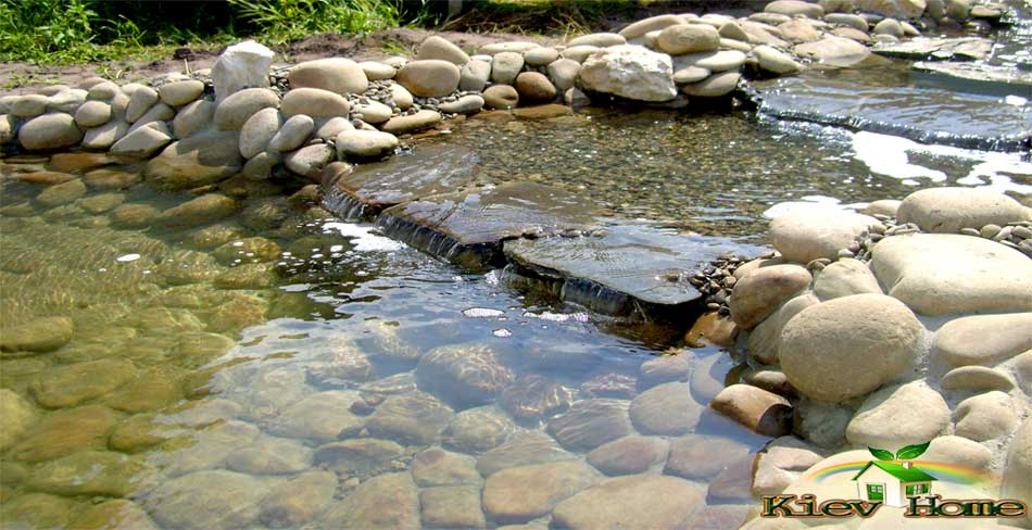 Ручей искусственного пруда