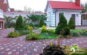 Ландшафтный дизайн двора в Киеве
